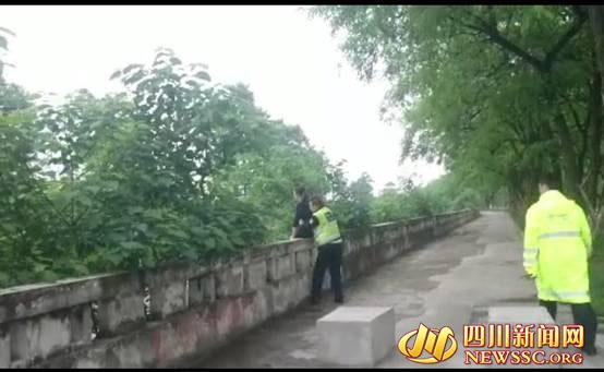 彭州女子 人民渠跳河 协警偶遇果断救人-彭米网